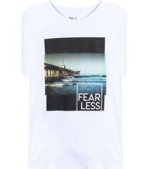 camiseta m/c con screen fear less color blanco,talla l