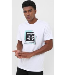 camiseta dc shoes boxed in branca