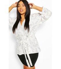 plus abstracte top met v-hals, kimono-mouwen en knoopceintuur, wit