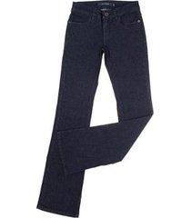 calça jeans tassa stretch boot cut amaciada feminina