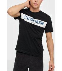 calvin klein stripe logo t-shirt t-shirts & linnen black