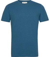 the organic tee t-shirts short-sleeved blå by garment makers