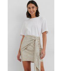 na-kd party draperad glittrig kjol - silver