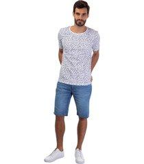 camiseta masculina estampa folhagem branco - branco - masculino - dafiti