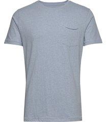 alder basic chest pocket tee - gots t-shirts short-sleeved blå knowledge cotton apparel