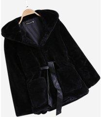 cappotti con cappuccio in pelliccia sintetica tinta unita