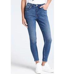 jeansy z bandaną w print ze wzorem tureckim