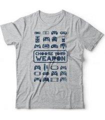 camiseta choose your weapon - unissex