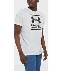 under armour ua gl foundation ss t tränings t-shirts vit