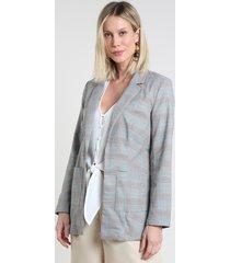 blazer feminino estampado xadrez com bolsos cinza