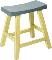 banco de madeira amarelo