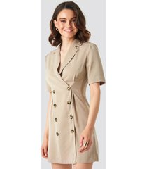 na-kd classic short sleeve blazer dress - beige