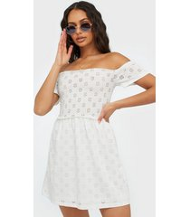 nly trend broderie smock dress loose fit dresses