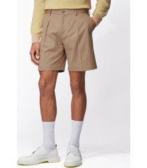 boss men's pepe medium beige shorts