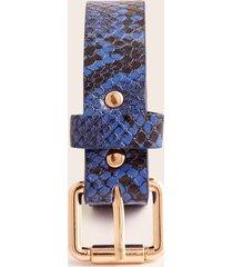 correa femenina estampado reptil. azul p-m