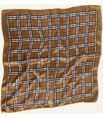 pañuelo marrón nuevas historias