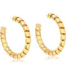 maxi argola larga com design torcido folheado francisca joias
