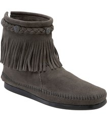 women's minnetonka fringed moccasin bootie, size 8 m - grey