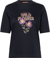 regular fit tee with chest artwork t-shirts & tops short-sleeved blå scotch & soda