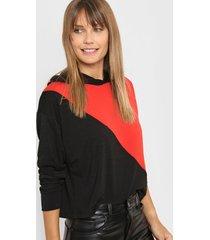 buzo rojo destino collection combinado con capucha