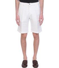 massimo alba vela shorts in white linen