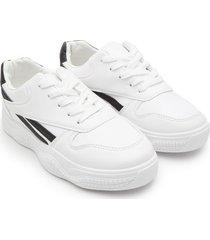 tenis blancos con franja negra color blanco, talla 36