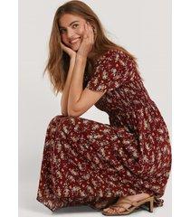 trendyol blommig midiklänning - burgundy