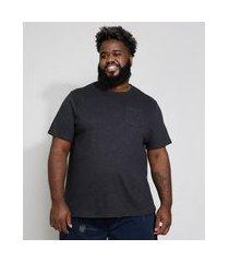 camiseta masculina plus size manga curta gola cerca com bolso preta
