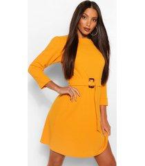 tall skater jurk met pofmouwen, v-hals en ceintuur, oranje