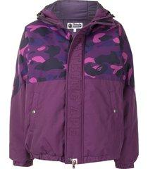 a bathing ape® camo hooded padded jacket - purple
