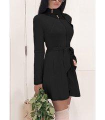 cuello alto con cremallera negra y mangas largas de ante vestido