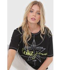 camiseta coca-cola jeans lettering preta - preto - feminino - algodã£o - dafiti