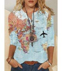 camicetta a maniche lunghe con colletto rialzato e bottoni con stampa mappa del mondo