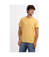 camiseta masculina básica flamê manga curta gola portuguesa amarela