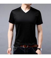 camiseta cuello pico hombre