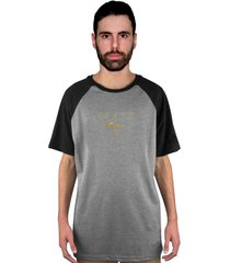camiseta manga curta raglan skate eterno assinatura gold cinza/preto - kanui
