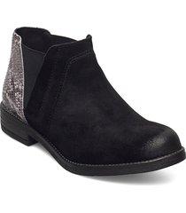 demi beat shoes chelsea boots svart clarks