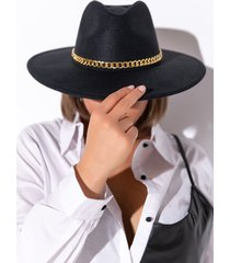 akira brim hat with chain
