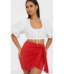 nly one drapy mini skirt minikjolar