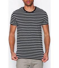 samsøe samsøe patrick o-n ss 10379 t-shirts & linnen black grey