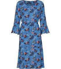 d1. floral fly fish ruffle dress knälång klänning blå gant