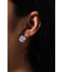 akira big boy stud earring