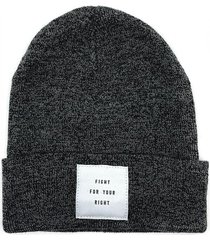 gorro de lana gris fight for your right twist