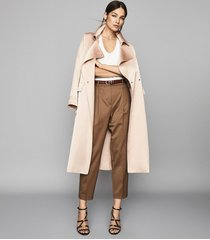 reiss quinne - boyfriend tapered trousers in camel, womens, size 10