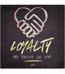 tommy hilfiger women's lewis hamilton x h.e.r. silk loyalty scarf black -