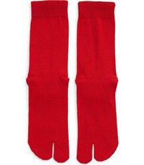 men's maison margiela tabi socks, size medium - red