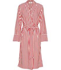 hampton kimono dresses kimonos röd elle style awards collection 2019
