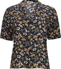 camisa  flores m/c color negro, talla 10