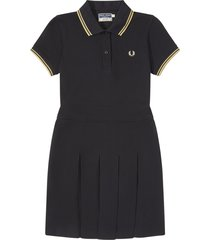 fred perry reissue pleated pique tennis dress | black | d7404-157