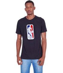 camiseta nba estampada vinil preta - preto - masculino - dafiti